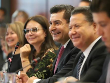 Alistan en Comisiones tres iniciativas que frenarán empresas fantasmas