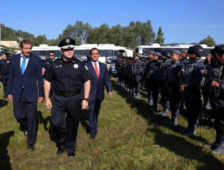 Presentan a primer titular de la División de Gendarmería