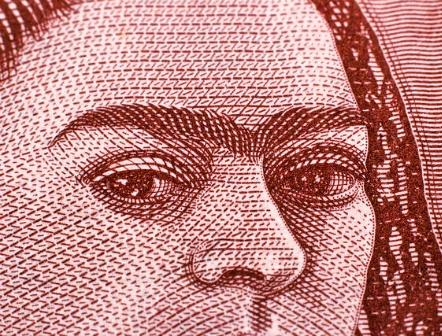 Paquete económico 2017 propone más ingresos, menos gasto y mayor deuda