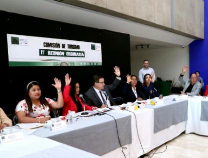 Rechazan diputados eliminar puentes vacacionales