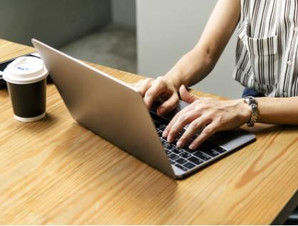 Ingresa Morena otra ley para redes sociales e internet
