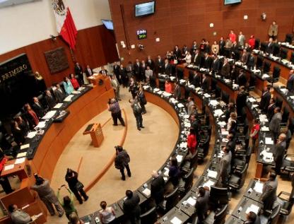 Crea Senado premio a mujeres por equidad de género