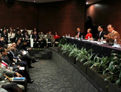 Buscará UNAM elevar perfil profesional de Senadores