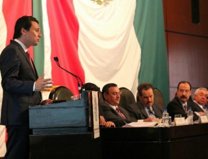 Comparecerá Lozoya ante diputados por contratos de Pemex