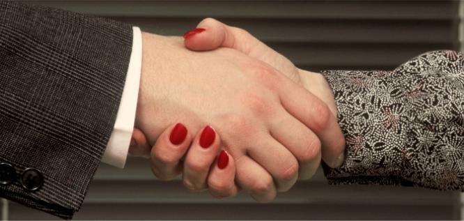 Mujeres se estresan más que los hombres en el trabajo
