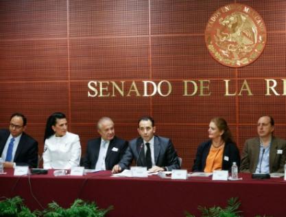 Gil Zuarth se compromete a representar el reconocimiento de los derechos de la Tierra en la Asamblea Constituyente