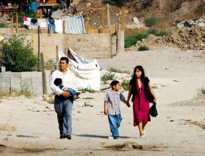 Uno de cada dos mexicanos carece de ingresos para cubrir sus necesidades no alimentarias básicas