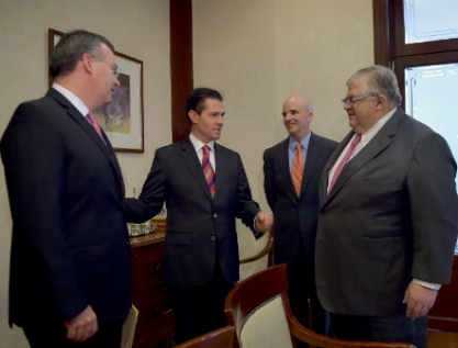 Designa Peña a Alejandro Díaz de León  como Gobernador del Banco de México