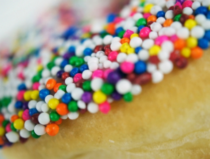 Aumenta consumo de alimentos procesados, bajos en vitaminas y altos en grasa, azúcar y sodio