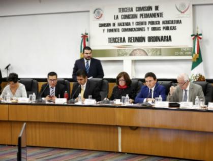 Aprueban nombramiento de Irene Espinosa en Banxico