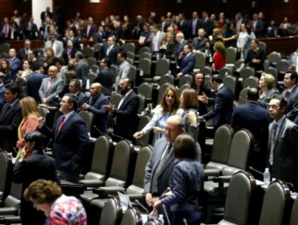 Suprimen diputados posicionamientos en dictámenes avalados por unanimidad