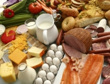 Bajan precios de alimentos pero se mantienen lejos de los bolsillos: BM