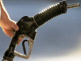 Subsidio de gasolina, sólo a pobres, plantea experto