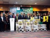 Entrega PRD dos millones 356 mil firmas para consulta energética