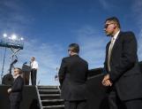 Plantea EPN que agentes extranjeros de aduana y migración porten armas en México