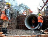 Establecen mínimo de mano de obra local en obras y servicios