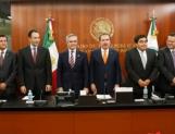 Celebran Senado y Jefe de Gobierno aprobación de Reforma Política del DF