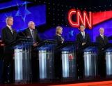 Se estrecha y polariza contienda electoral en Estados Unidos