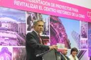 Anuncia Jefe de Gobierno retiro de microbuses del Zócalo