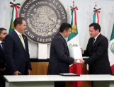 Reciben diputados Cuarto Informe de EPN; declina enviar iniciativas preferentes