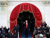 """Más que un discurso, el de Trump fue la declaración de un """"emperador"""" egocéntrico, populista y mesiánico"""