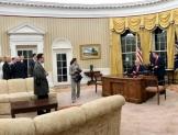 Ordena Trump construcción de muro fronterizo