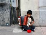 La clase media en México es un mito; salir de la línea de la pobreza sólo implica entrar al umbral de vulnerabilidad