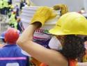 Crece pobreza laboral, afecta más a mujeres