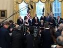 Con gabinete incompleto, fricciones con la prensa y una política exterior inestable, balance del nuevo gobierno estadounidense